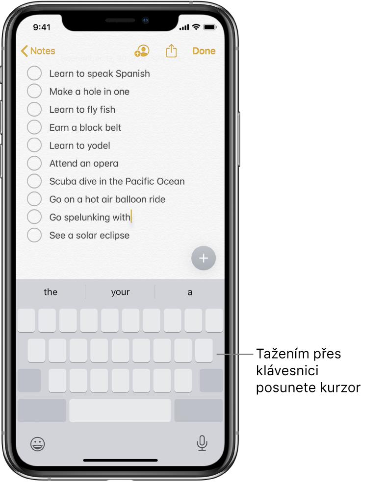 Úprava poznámky po přepnutí klávesnice na trackpad. Klávesnice je zobrazena ztlumeně, což znamená, že nyní slouží jako trackpad