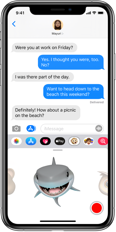 A Messages conversation with an Animoji selected and ready to be recorded before being sent.