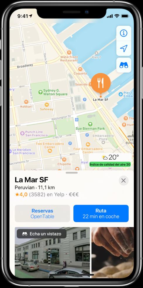 Mapa que muestra la ubicación de un restaurante. La tarjeta de información en la parte inferior de la pantalla incluye botones para hacer una reserva y obtener indicaciones.