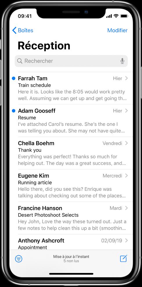 Un aperçu d'un e-mail dans la Boîte de réception avec le nom de l'expédition, l'heure à laquelle l'e-mail a été envoyé, la ligne d'objet et les deux premières de l'e-mail.