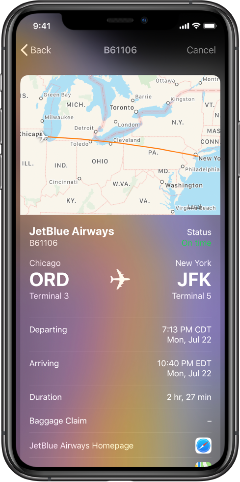 A tela do iPhone mostrando o status de um voo da JetBlue Airways. Na parte superior da tela está um mapa mostrando o itinerário do voo. Abaixo do mapa, da parte superior para a inferior, encontram-se informações sobre o voo: número e status, localização do terminal, horário de partida e chegada, duração e um link para o site da JetBlue Airways.