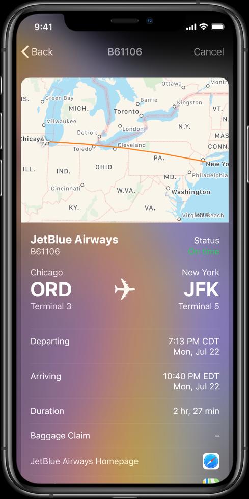 På iPhone-skärmen visas flygstatus för en flygning med JetBlue Airways. En karta över flygrutten visas högst upp på skärmen. Från vänster till höger under kartan finns information om flyget: flygnummer och status, terminalplatser, avgångs- och ankomsttider, flyglängd och en länk till JetBlue Airways hemsida.