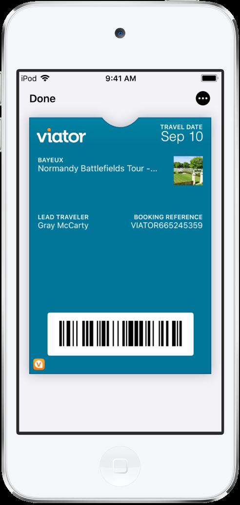 하단에 항공편 정보 및 QR 코드가 표시된 탑승권을 나타내는 Wallet 앱.