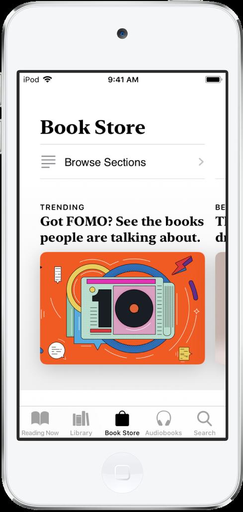 북스토어 화면이 표시되어 있는 도서 앱. 화면 하단 왼쪽부터 오른쪽으로 읽고 있는 책, 보관함, 북스토어, 오디오북 및 검색 탭이 있고 북스토어 탭이 선택되어 있음. 또한 화면에 탐색하거나 구입할 수 있는 책과 카테고리가 표시되어 있음.
