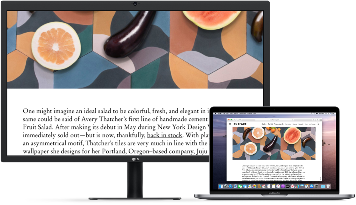 Zoom Display is active on the desktop screen, while the screen size stays fixed on MacBook Pro.