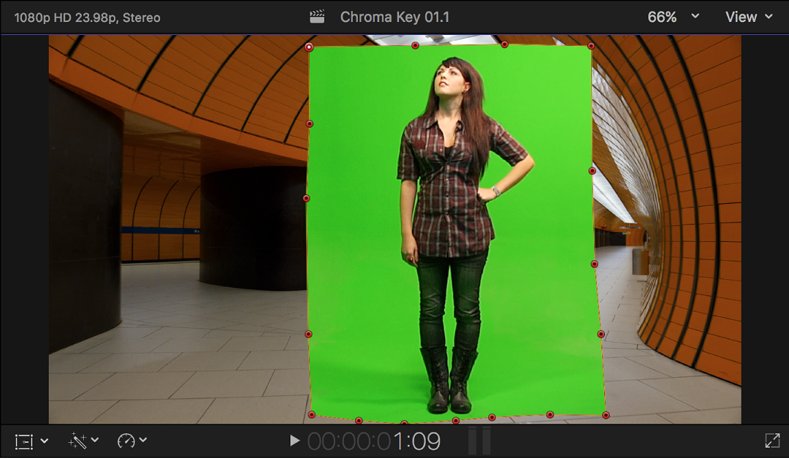 The viewer showing a mask effect applied to the chroma key foreground clip