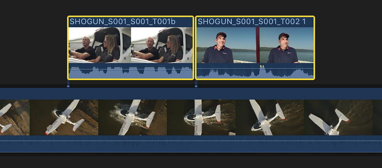 Dos clips conectados seleccionados en la línea de tiempo