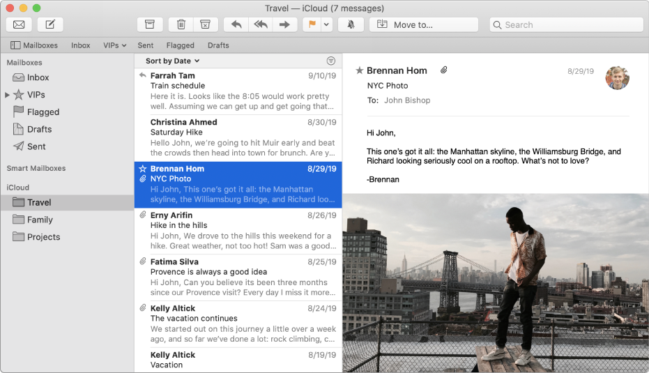 Indholdsoversigten i Mail-vinduet, der viser flere indbakker til en iCloud-konto.