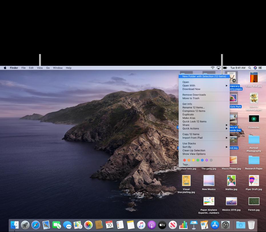"""Un ejemplo de un escritorio con archivos. Usa el menú Visualización, situado en la parte superior izquierda de la pantalla, para agrupar y clasificar iconos. Puedes organizar archivos en el escritorio; para colocarlos en una carpeta nueva, selecciona los archivos, pulsa la tecla Control y haz clic en uno de ellos para, a continuación, seleccionar """"Nueva carpeta con la selección""""."""