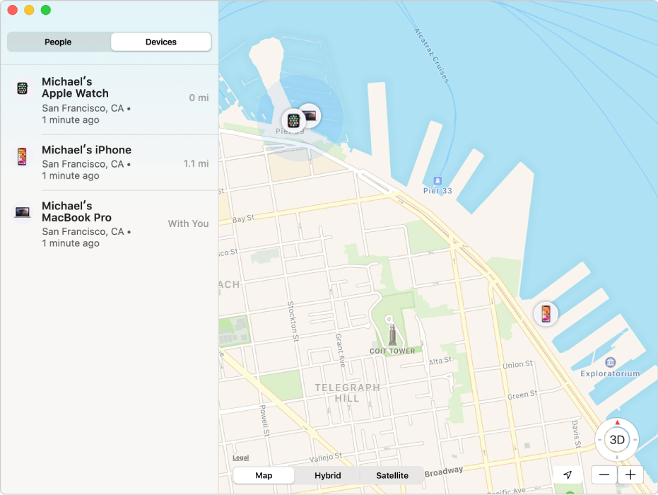 Apka Nájsť zobrazujúca zoznam zariadení vpostrannom paneli aich polohu na mape na pravej strane.