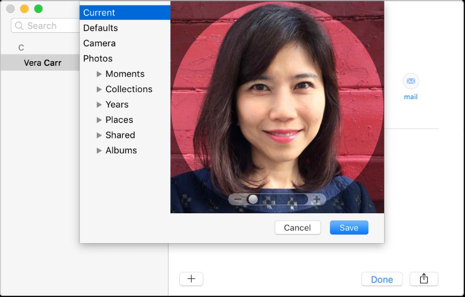 Het venster voor het toevoegen of wijzigen van de afbeelding van een contactpersoon: Aan de linkerkant staat de lijst met bronnen, zoals 'Standaard' of 'Camera', en aan de rechterkant staat de huidige afbeelding, met een schuifknop om in en uit te zoomen op de afbeelding.