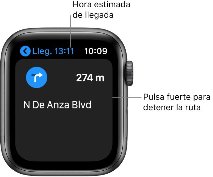 """La app Mapas con la hora estimada de llegada arriba a la izquierda, el nombre de la calle por la que tienes que tienes que meterte y la distancia que te queda hasta llegar a esa calle. El texto de la pantalla indica: """"Pulsa fuerte para detener las indicaciones""""."""