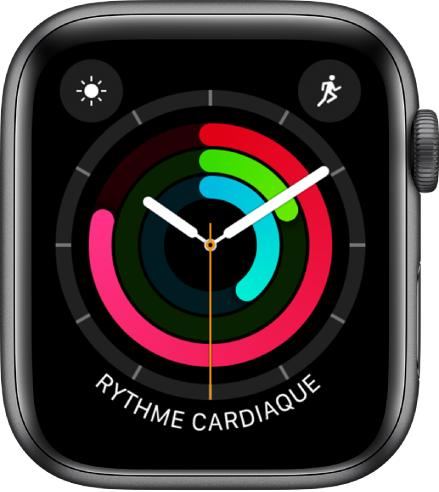 Cadran Activité analogique montrant l'heure ainsi que la progression vers les objectifs «Me lever», «Bouger» et «M'entraîner». Il y a aussi trois complications: Conditions météo en haut à gauche, Exercice en haut à droite et Rythme cardiaque en bas.