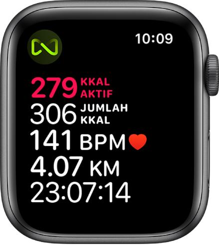 Skrin Latihan yang memerincikan latihan treadmill. Simbol di penjuru kiri atas menunjukkan bahawa AppleWatch disambungkan ke treadmill secara wayarles.