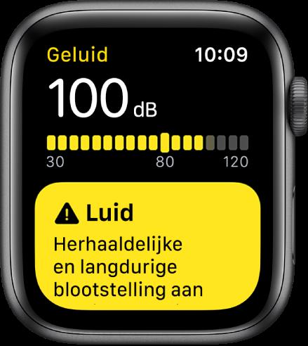 De Geluid-app met een meting van 100dB. Eronder staat een waarschuwing voor langdurige blootstelling aan dit geluidsniveau.