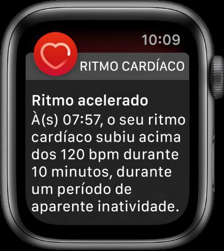 O ecrã de Ritmo cardíaco elevado a mostrar uma notificação de que o seu ritmo cardíaco ultrapassou as 120 BPM, apesar de ter permanecido inativo durante 10 minutos.