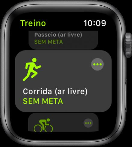 O ecrã Treino com o treino de corrida (ar livre) destacado.