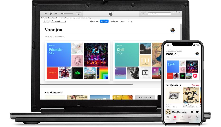 Een pc en een iPhone met het Apple Music-scherm 'Voor jou'.