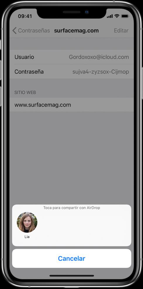 """La pantalla de la cuenta de un sitio web. En la parte inferior de la pantalla hay un botón que muestra una foto de Lia debajo de la instrucción """"Toca para compartir con AirDrop""""."""