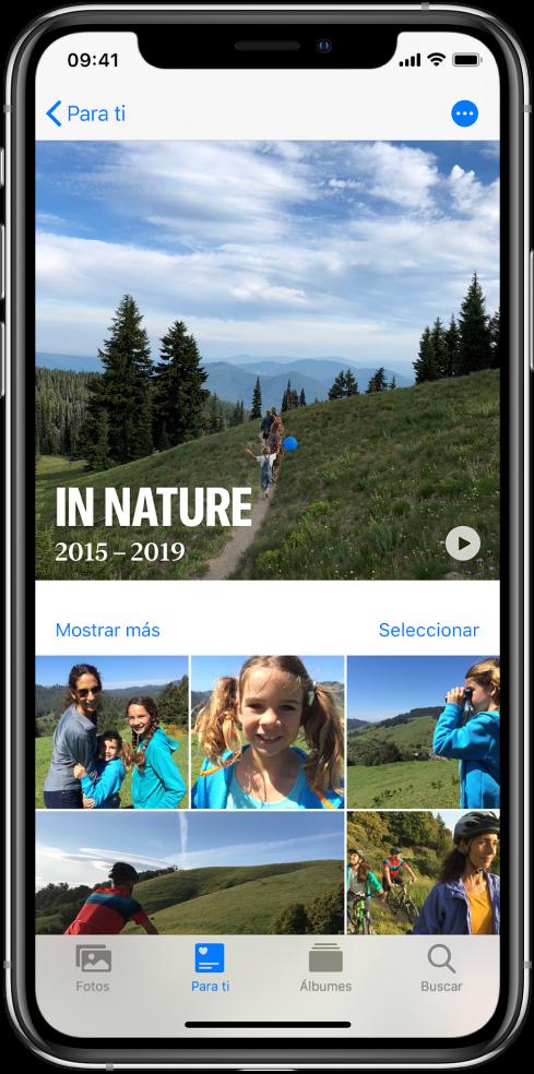 Una pantalla de recuerdos mostrando un video en la parte superior. Debajo del video se encuentra una colección de fotos.