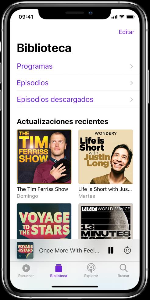 La pestaña Biblioteca mostrando los podcasts actualizados recientemente.