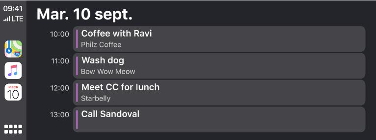 Un écran de calendrier dans CarPlay montrant 4événements pour le mardi 10septembre.