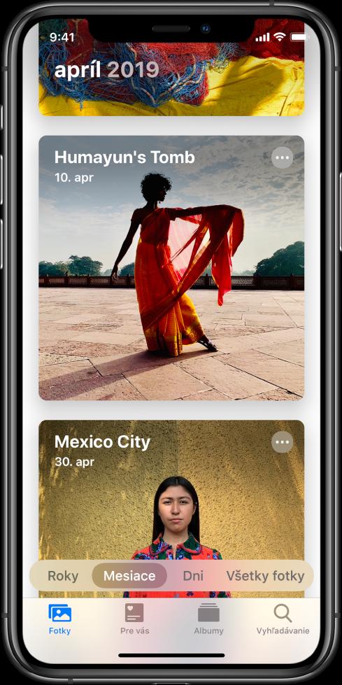 Obrazovka apky Fotky. Je vybraný tab Fotky azobrazenie Mesiace. Zobrazujú sa dve udalosti zapríla 2019: Humájúnova hrobka aMexico City.