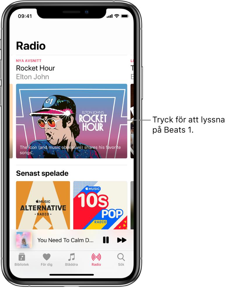 Radioskärmen med Beats 1 Radio högst upp. De senast spelade inslagen visas nedan.