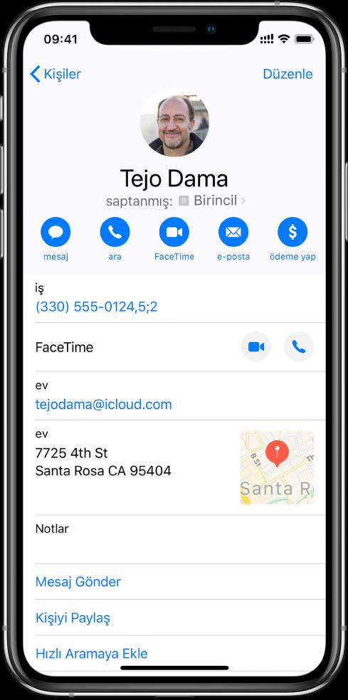 Rakamlar arasında iki saniyelik bir duraklamayı belirten bir virgül ve Çevir'e yeniden dokununcaya dek çevirmenin durması gerektiğini belirten bir noktalı virgül içeren telefon numarası.