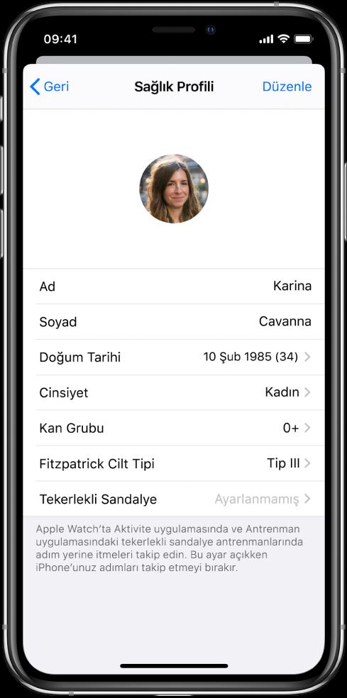0+ kan gruplu 34 yaşında bir kadın için Sağlık Profili ekranı.