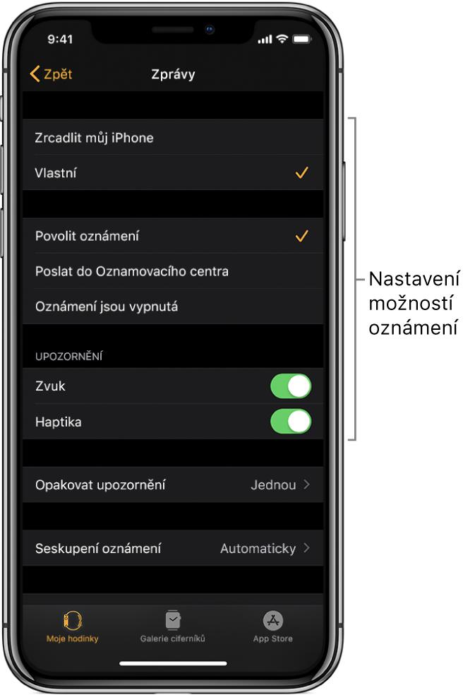 Nastavení Zpráv vaplikaci AppleWatch na iPhonu. Zde můžete určit, jestli se mají zobrazovat upozornění, nebo zapnout zvuk, haptická oznámení aopakovaná upozornění.