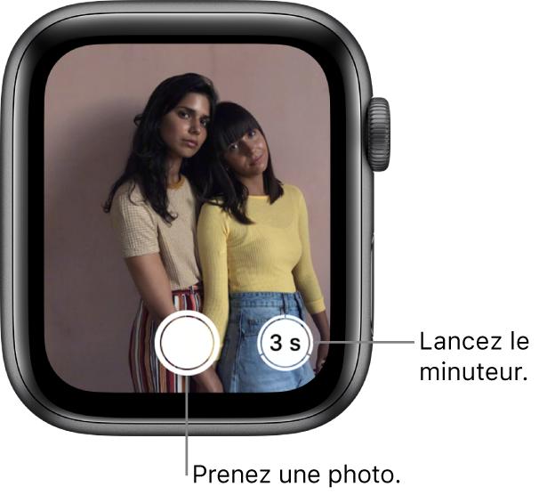 Lorsque la montre sert de télécommande pour l'appareil photo, le viseur de l'iPhone est affiché sur l'AppleWatch. Le bouton de prise de vue se trouve en bas au centre. Le bouton de retardateur se trouve à sa droite. Si vous avez pris une photo, le bouton de viseur se trouve dans le coin inférieur gauche.