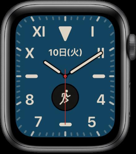 「カリフォルニア」の文字盤。ローマ数字とアラビア数字の組み合わせが表示されています。2つのコンプリケーションが表示されています: 日付とワークアウト。