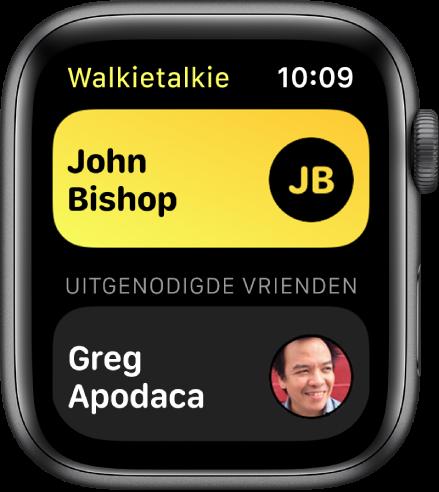 Het Walkietalkie-scherm met bovenin een contactpersoon en onderin een vriend(in) die je hebt uitgenodigd.