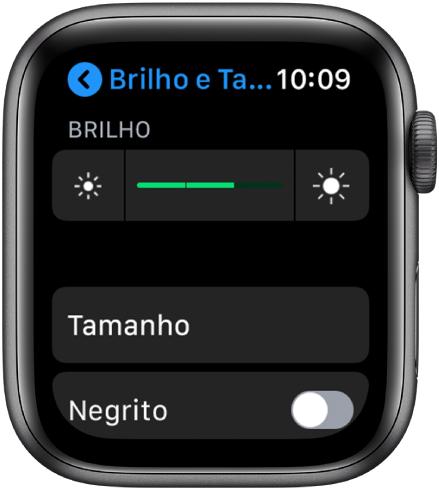 Ajustes de brilho do AppleWatch, com o controle deslizante de Brilho na parte superior, o botão Tamanho do Texto abaixo e o controle Negrito na parte inferior.