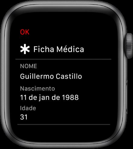 A tela Ficha Médica mostrando o nome, a data de nascimento e a idade do usuário.