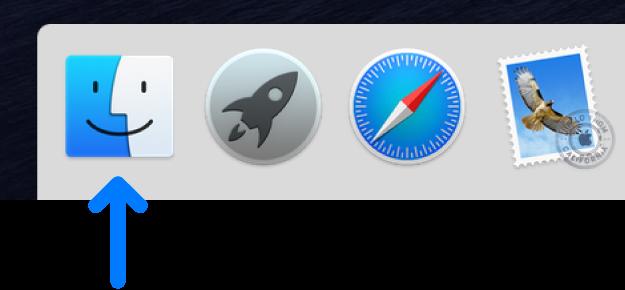 Một mũi tên màu lam đang trỏ đến biểu tượng Finder ở bên trái của Dock.