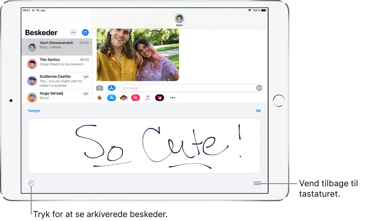 Skærmen Håndskrift med en håndskrevet besked. Nederst til venstre findes en knap til valg af en gemt besked. Nederst til højre er knappen Vis tastatur.