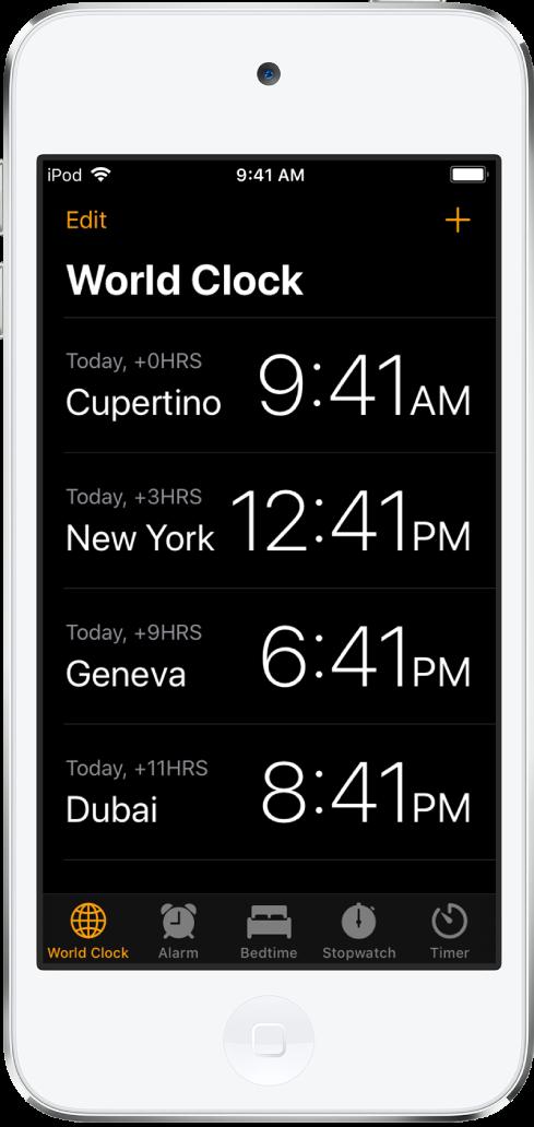 """Der Tab """"Weltuhr"""" mit der Uhrzeit in verschiedenen Städten. Tippe oben links auf """"Bearbeiten"""", um die Uhren anzuordnen. Tippe oben rechts auf die Taste """"Hinzufügen"""", um weitere Uhren hinzuzufügen. Unten befinden sich Tasten für """"Wecker"""", """"Schlafenszeit"""", """"Stoppuhr"""" und """"Timer""""."""