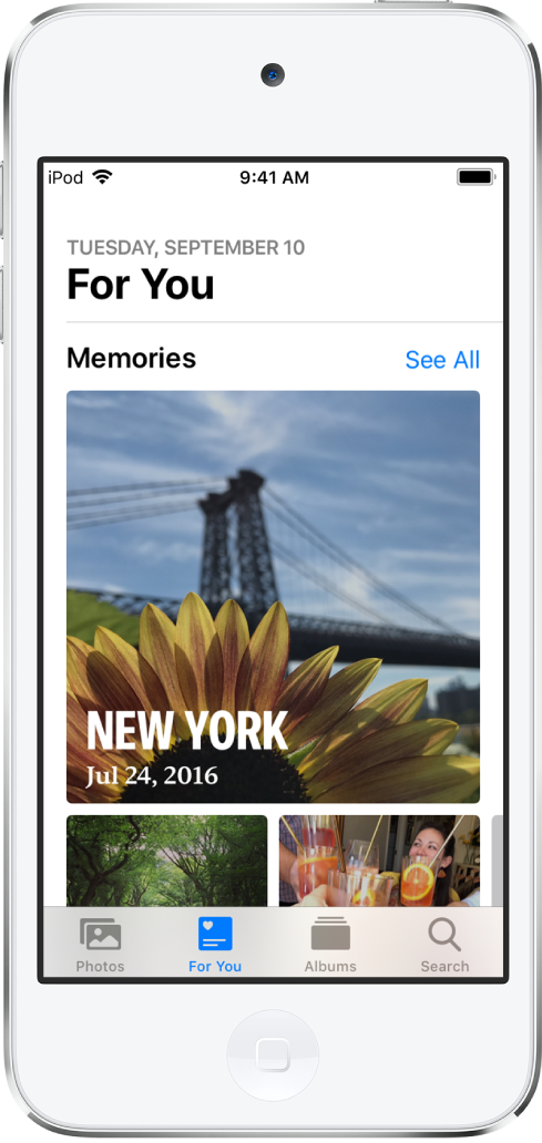 Het tabblad 'Voor jou' met een verzameling verschillende terugblikken. Elke terugblik heeft een omslagfoto, een titel en een ondertitel. Onder de koptekst 'Voor jou' rechtsbovenin staat een knop 'Toon alles', waarmee je een overzicht van al je terugblikken weergeeft.