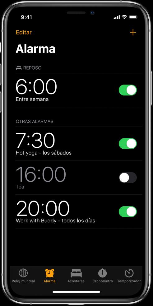 La pestaña Alarma con cuatro alarmas configuradas para distintas horas.