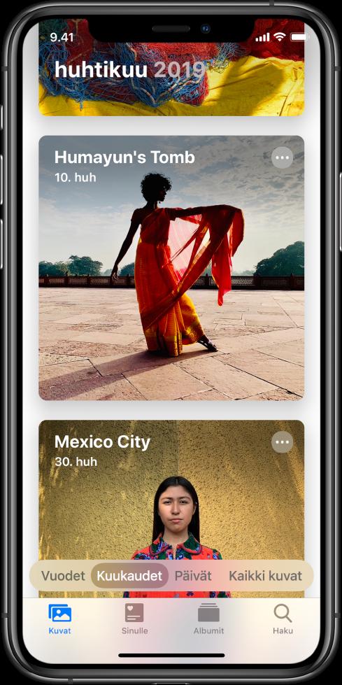 Näytöllä on Kuvat-appi. Valittuina ovat Kuvat-välilehti ja Kuukaudet-näkymä. Näytöllä näkyy kaksi tapahtumaa huhtikuulta 2019: Humayunin mausoleumi ja Mexico City.