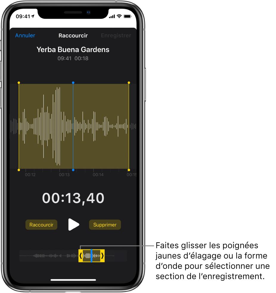 L'enregistrement en cours d'élagage, avec les poignées d'élagage encadrant une partie de la forme d'onde audio au bas de l'écran. Un bouton Lecture et la durée de l'enregistrement figurent au-dessus de la forme d'onde. Les poignées d'élagage apparaissent sous le bouton Lecture.