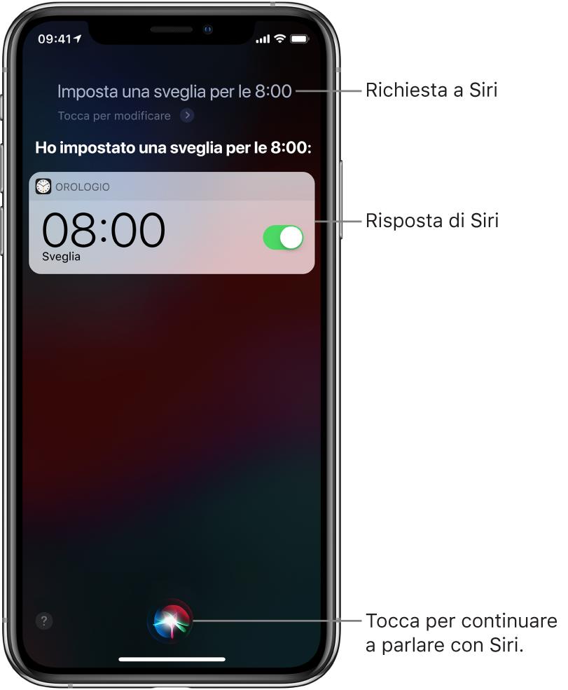 """La schermata di Siri che mostra la richiesta a Siri """"Punta una sveglia per domattina alle otto"""" e la risposta di Siri """"Ho impostato una sveglia per domattina alle otto"""". Una notifica dall'app Orologio mostra che è attiva una sveglia per le otto del mattino. Per continuare a parlare con Siri, viene utilizzato il pulsante al centro dello schermo, in basso."""