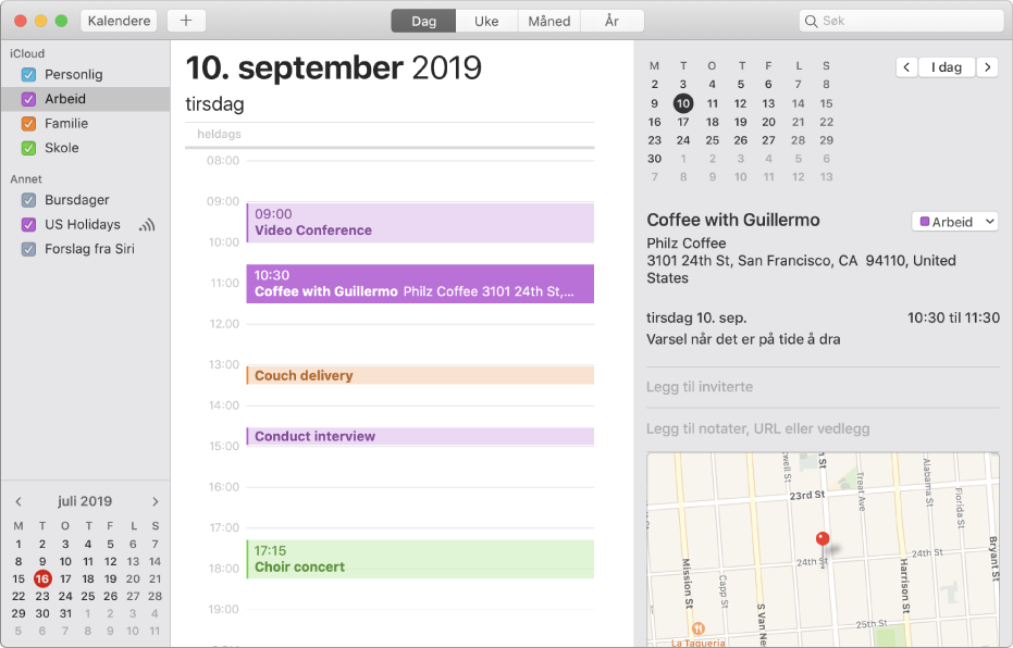 Et Kalender-vindu i dagsvisning som viser fargekodede kalendere for privatliv, jobb, familie og skole i sidepanelet under overskriften for iCloud-kontoen.