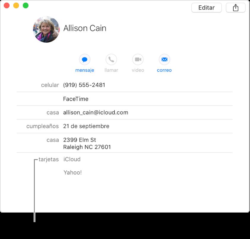 Una tarjeta enlazada con dos cuentas en la sección Tarjetas; para ver una cuenta específica, haz clic en su nombre.