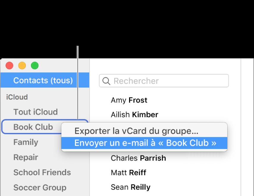 La barre latérale de Contacts affichant le menu local avec la commande permettant d'envoyer un e-mail au groupe sélectionné.