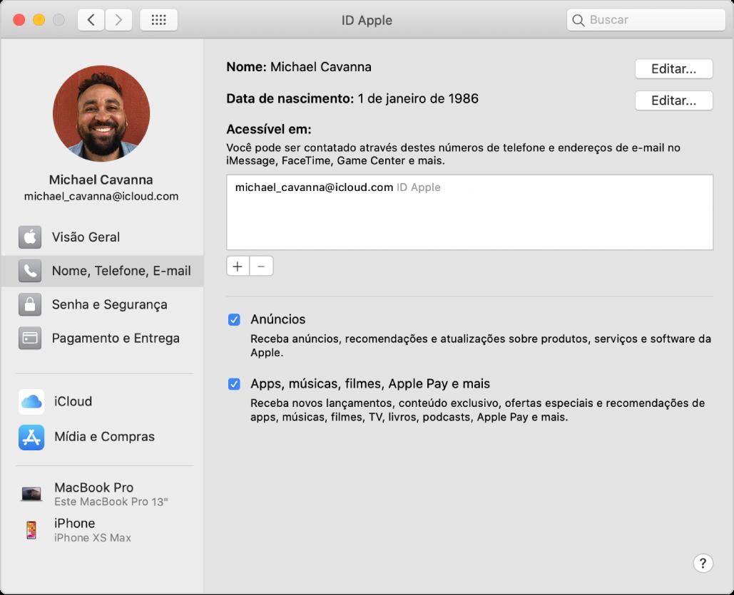 """Preferência ID Apple mostrando uma barra lateral com diferentes tipos de opção de conta que você pode usar e a preferência """"Nome, Telefone, E-mail"""" para uma conta existente."""