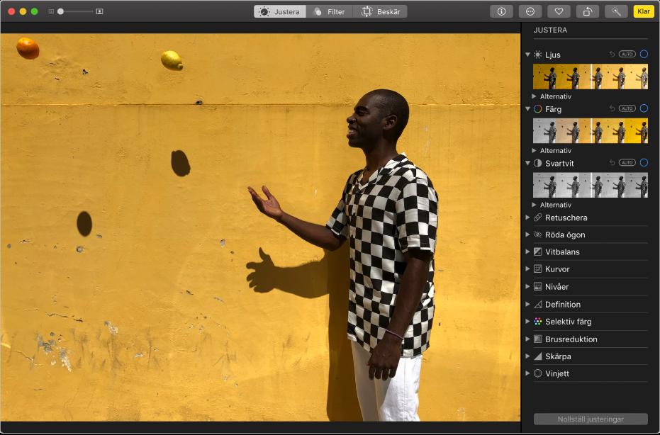 Fönstret i Bilder med en bild som redigeras. Till höger finns redigeringsverktyg.
