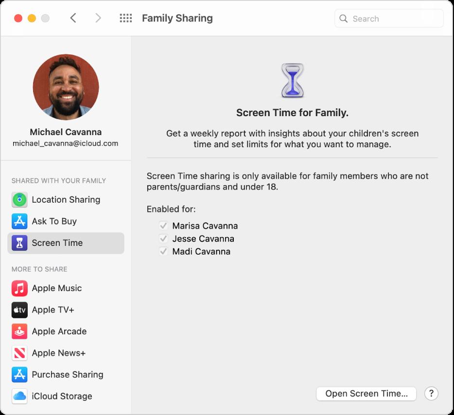 Inställningspanelen Familjedelning med ett sidofält med olika typer av kontoalternativ som du kan använda och inställningspanelen Skärmtid för ett befintligt konto.